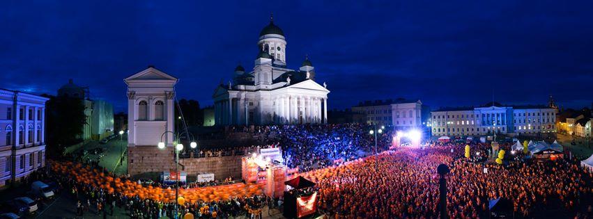 MidNightRun- yöjuoksutapahtuma 31.8.2013 Helsingissä